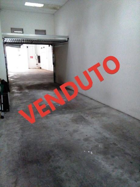 klp227 Garage arieggiato in zona centrale