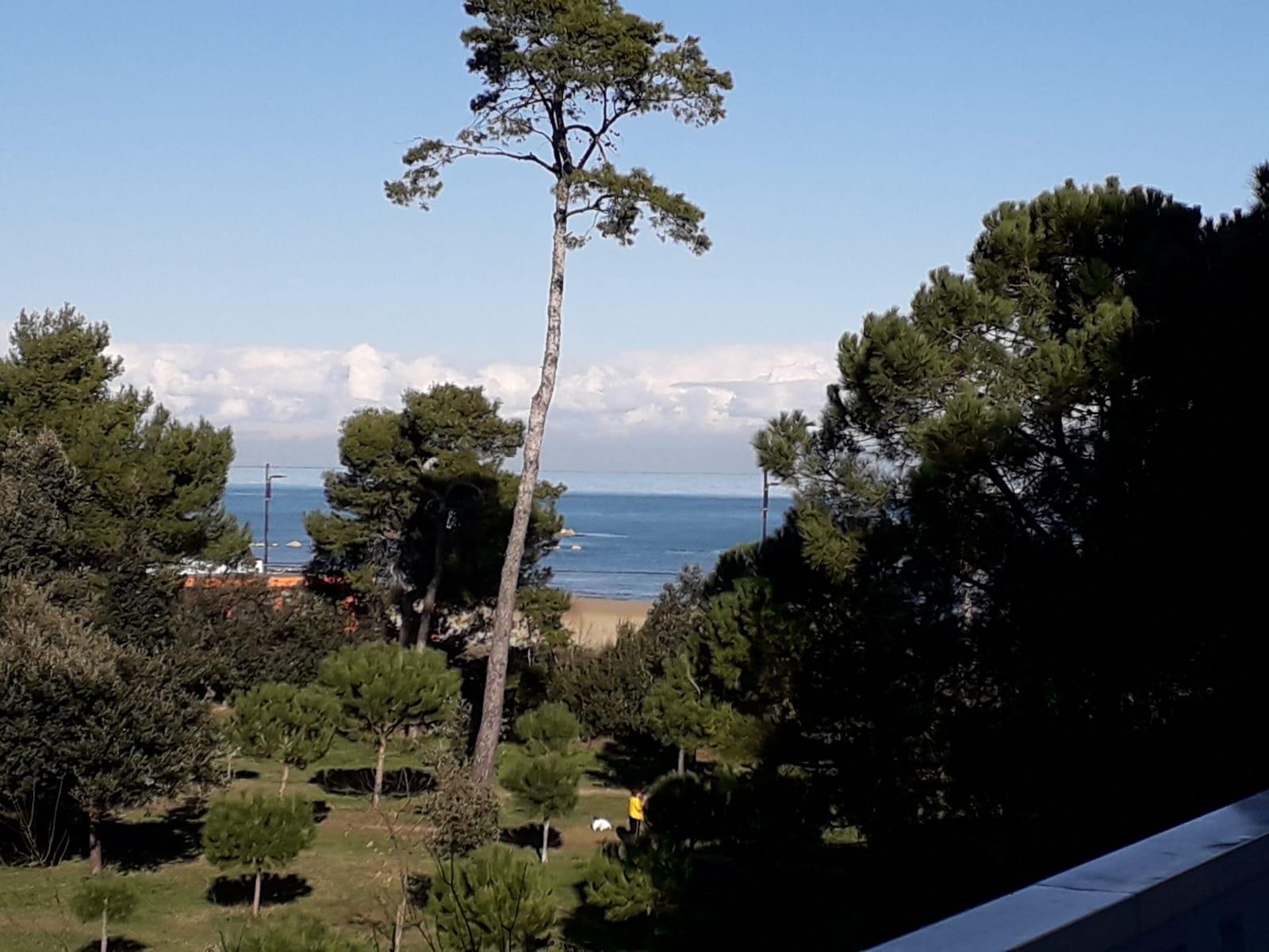 klp235  Ampio Appartamento con Vista Mare, a pochi passi dal mare