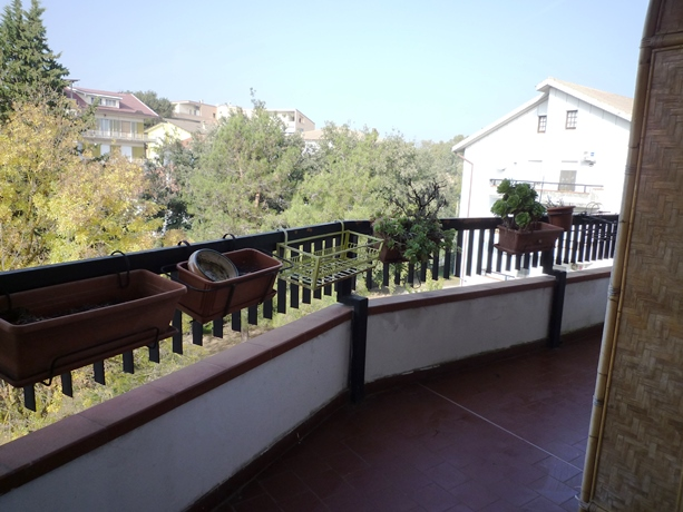klp267 Appartamento con ampio balcone  e  posto auto in residence